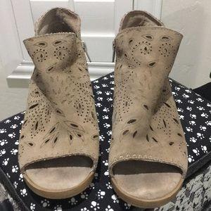 Coolway Nelia women's size 7 Booties